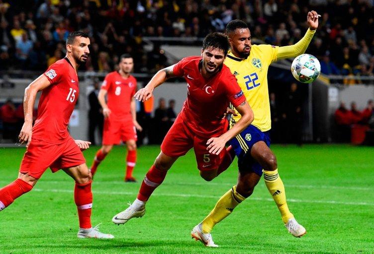 Son dakika Galatasaray transfer haberleri... Galatasaray'a Okay Yokuşlu'dan şok haber!