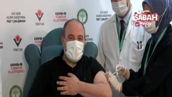 Bakan Varank, yerli Kovid-19 aşısının denemelerinde gönüllü oldu | Video