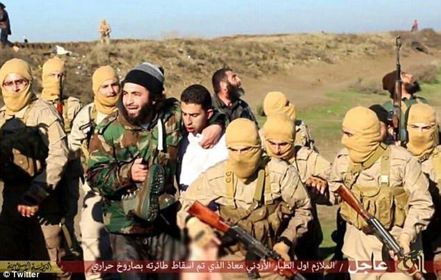 IŞİD savaş uçağını düşürüp pilotu kaçırdı