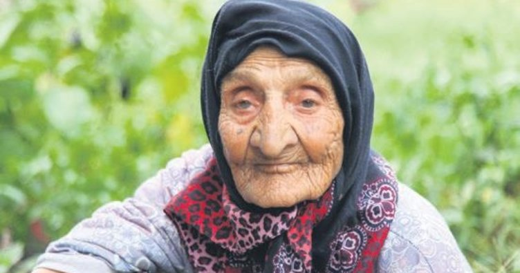 118 yaşındaki Fatma Nine müdürü şaşırttı