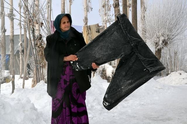 Doğuda Soğuk Hava çamaşırları Dondurdu Galeri Türkiye 01