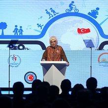 Emine Erdoğan: Çocuk işlenmeyi bekleyen cevherdir