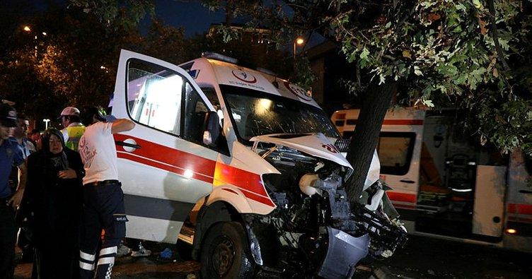 Şişli'de hasta taşıyan ambulans kaza yaptı: 6 yaralı