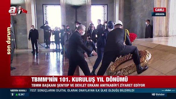 Anıtkabir'de saygı duruşunda bulunan TBMM Başkanı Şentop Anıtkabir Özel Defteri'ni imzaladı