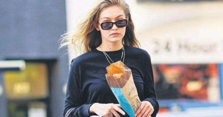Modeller de ekmek yer!
