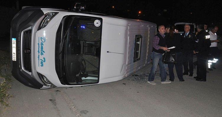 Başkentte öğrenci servisi devrildi: 14 yaralı!