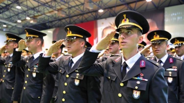 Jandarma Genel Komutanlığına ve Sahil Güvenlik Komutanlığına 300 muvazzaf/sözleşmeli astsubay alınacak! Şartlar neler?