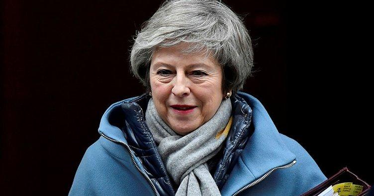 May: Anlaşmasız Brexit'i önlemek için benim anlaşmama oy verin