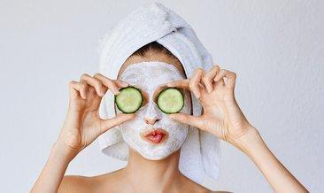Salatalık maskesi nasıl yapılır, ne işe yarar? Cildi canlandıran salatalık maskesi tarifi