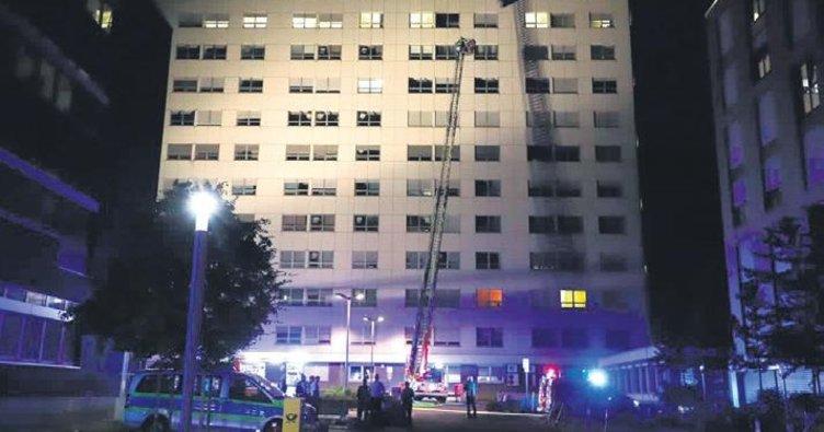 Hastanede yangın: 1 ölü