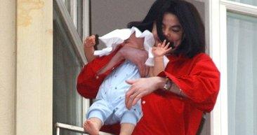 Michael Jackson'ın balkondan sarkıttığı oğlu büyüdü. Bakın şimdi ne halde...