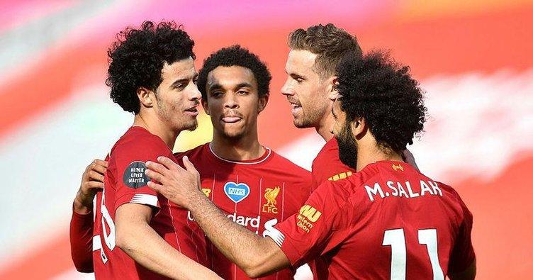 Liverpool sahasında Aston Villa'yı Mane ve Jones ile geçti!