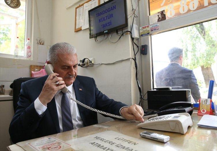 Başbakan'dan taksi durağına ziyaret