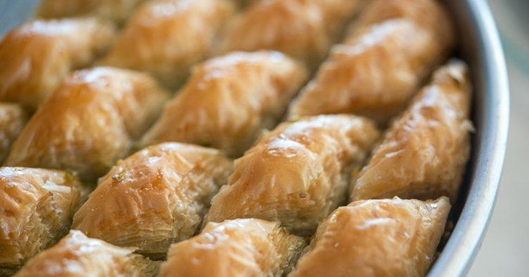 En kolay ve lezzetli baklava tarifi yapılışı: Ev yapımı, nefis ve cevizli ev baklavası nasıl yapılır?