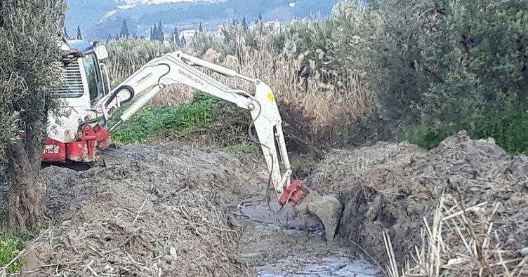 Çobanhasanlar Mahallesinin deresi temizleniyor