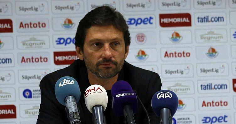Son dakika: Antalyaspor, Leonardo ile yollarını ayırdı