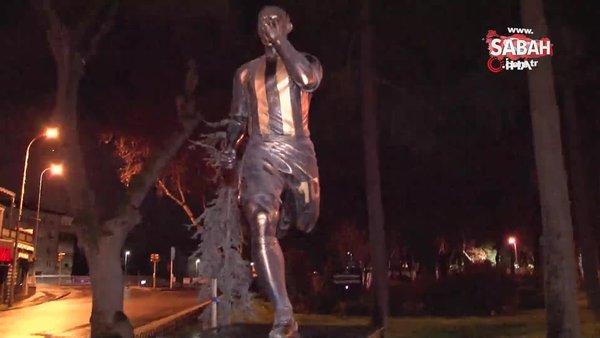 Alex De Souza'nın heykeline otomobil çarptı | Video