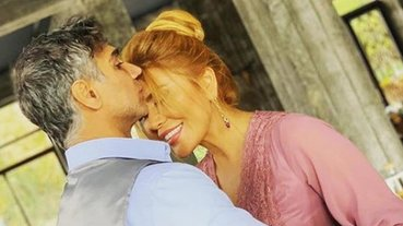 Şarkıcı Doğuş'un Azeri eşi Xosqedem Hidayetgizi cepheye gitti! Şarkıcı Doğuş'tan Azeri eşine ve Azerbaycan halkına tam destek!