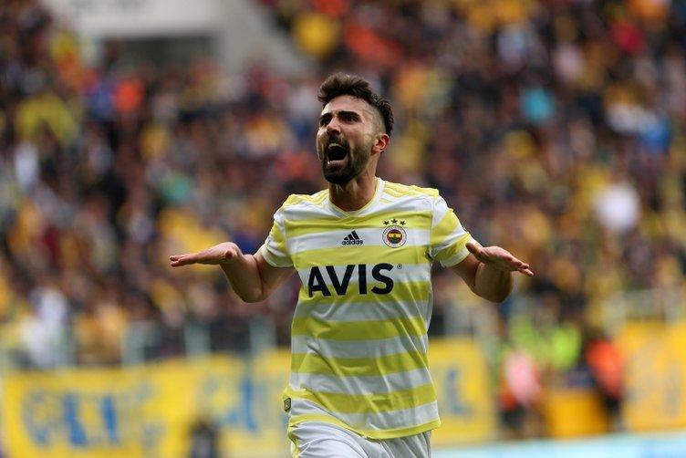 Yıldız sol bek Fenerbahçe'ye!