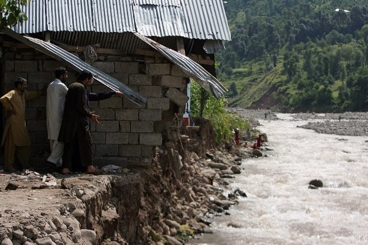 Pakistan'da Muson can alıyor