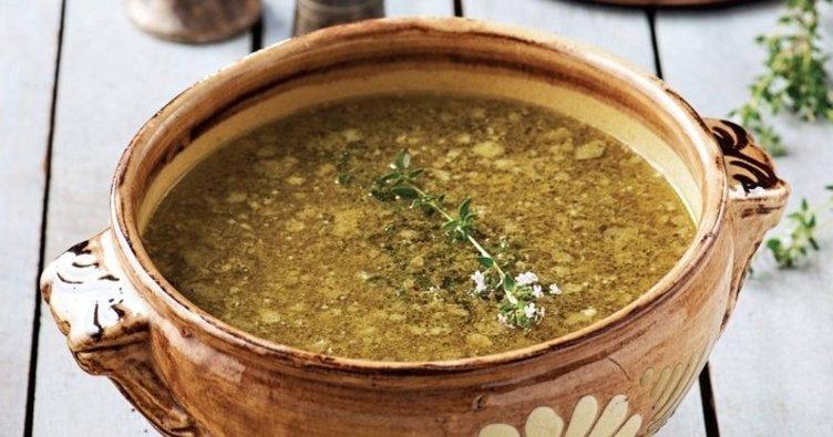 Közlenmiş sarımsaklı bezelye çorbası tarifi