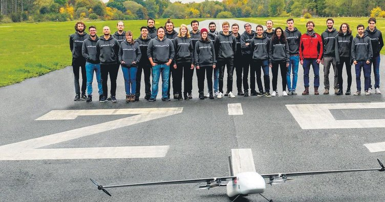 Türk öğrencilerden cankurtaran drone