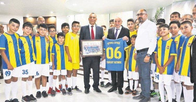 'Spora ve sporcuya desteğimiz tam'