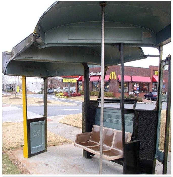 Otobüs beklemeyi keyfe dönüştürdüler