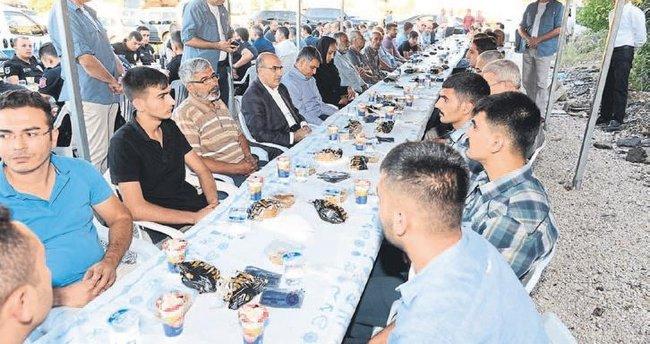 Vali Demirtaş'tan şehit ailelerine taziye ziyareti