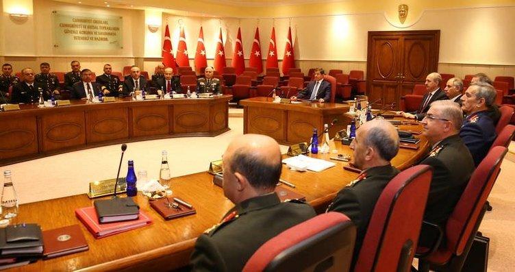 Genelkurmay'dan Davutoğlu'na brifing