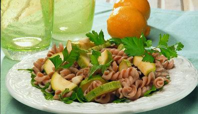 Kepekli Makarna Salatası