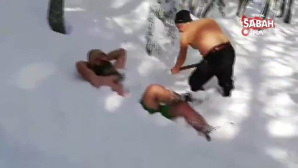 Bursa'da yeni yıla kar banyosu keyfi yaparak böyle girdiler!