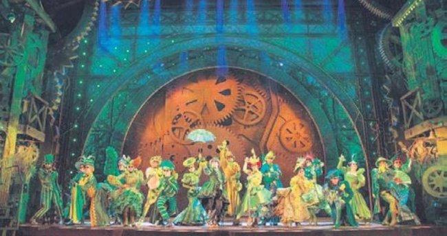 Broadway'in fenomen müzikali İstanbul'a geliyor