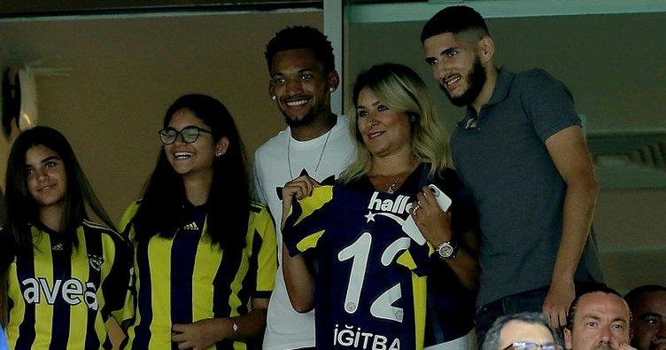 Fenerbahçe'de Jailson ve Yassine Benzia ilk 11'e