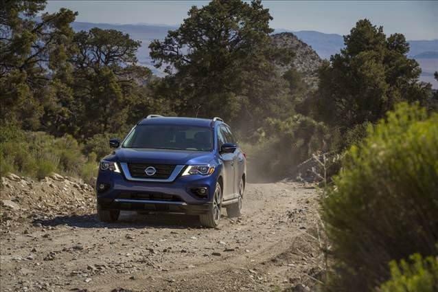 Nissan Pathfinder'a yeni yüz
