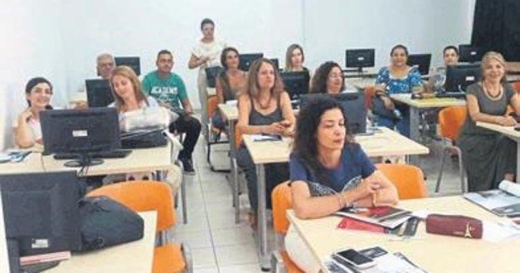 İngiliz dil eğitiminde son teknolojiyi uyguluyor
