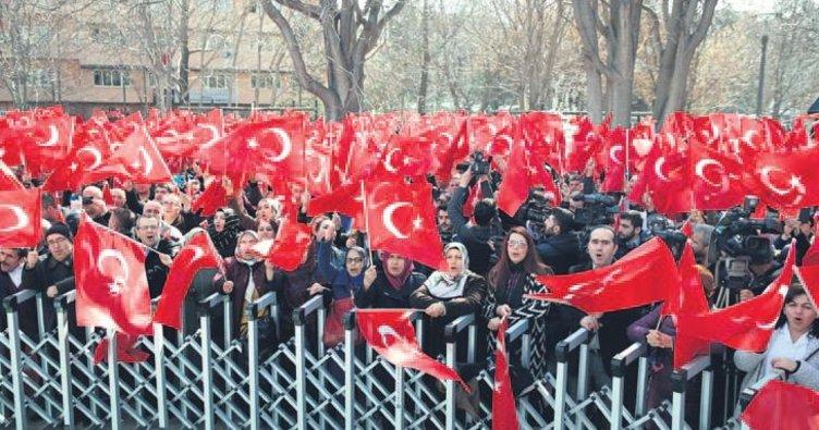81 ildeki memurlardan Mehmetçiğe destek...