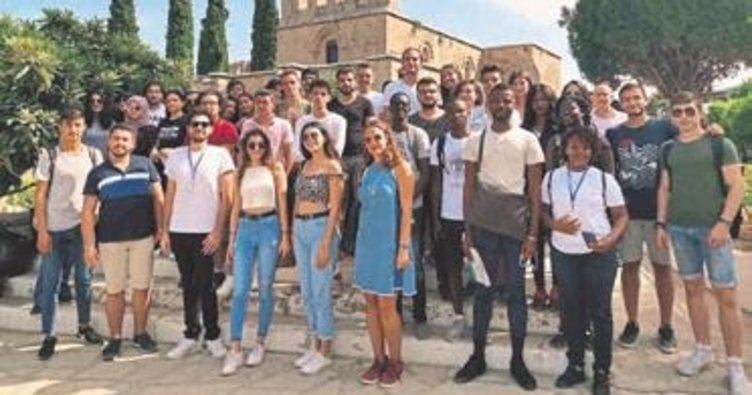 Üniversite öğrencileri için kültür gezisi düzenlendi