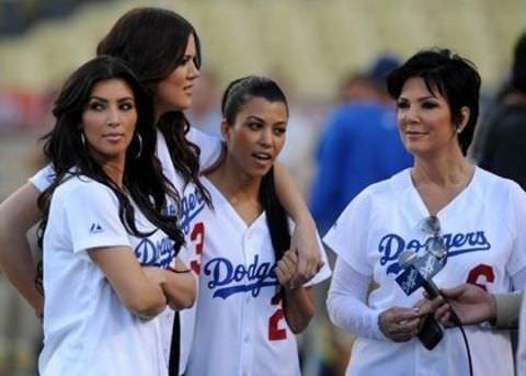 Kardashian kardeşler birlikte poz verdi