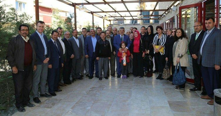 Başkan Özgüven, okul  aile birliği başkanlarıyla buluştu
