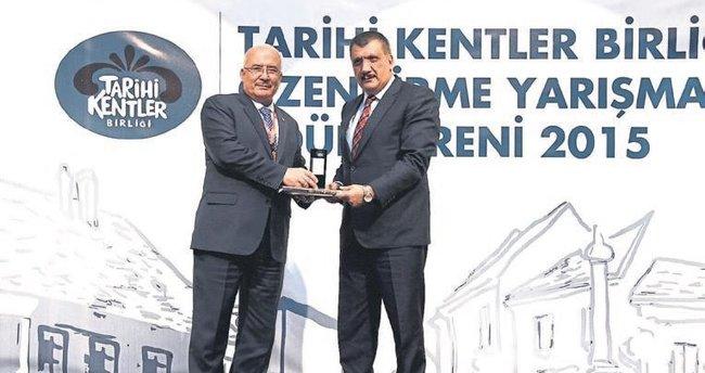 Mersin Büyükşehir'e Tarihi Kentler Birliği ödülü