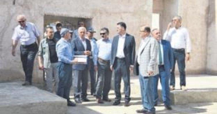 Tarihi Çarşı Camisi ekimde açılacak