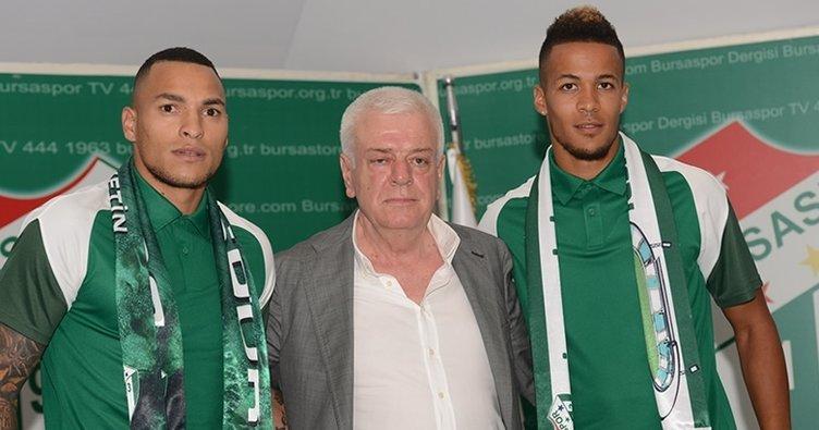 Bursaspor, Ekong ve Titi ile sözleşme imzaladı