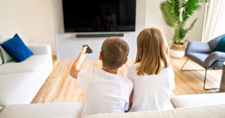 Çocuğunuza sürekli olumsuz haberleri izletmeyin!
