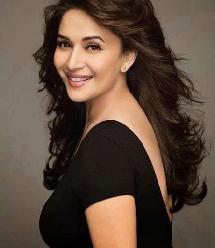 Hollywood aktristleri mi yoksa Bollywood aktristleri mi