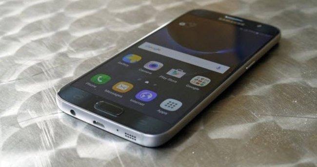 Galaxy S8'de 30 MP kamera mı olacak?