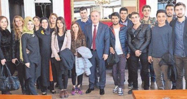 Gençlere ücretsiz İngilizce kursu