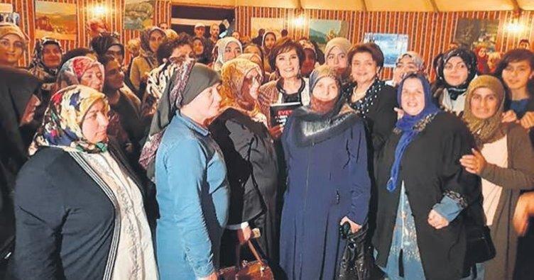 Hülya Koçyiğit'ten Erzurumlu kadınlara destek