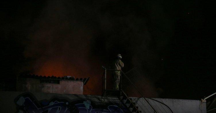 Zeytinburnu'nda yangın paniği!