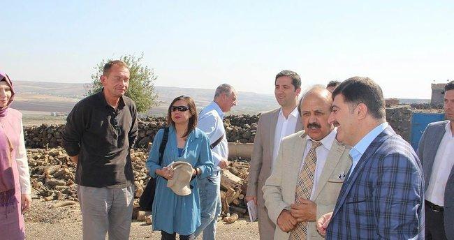 İngiliz parlamenterler Diyarbakır'da